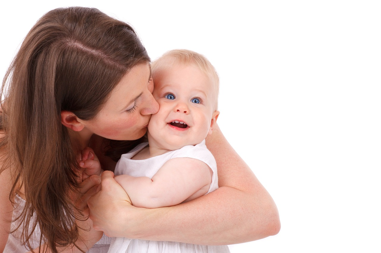 איך עושים את המעבר עם התינוק למוצקים