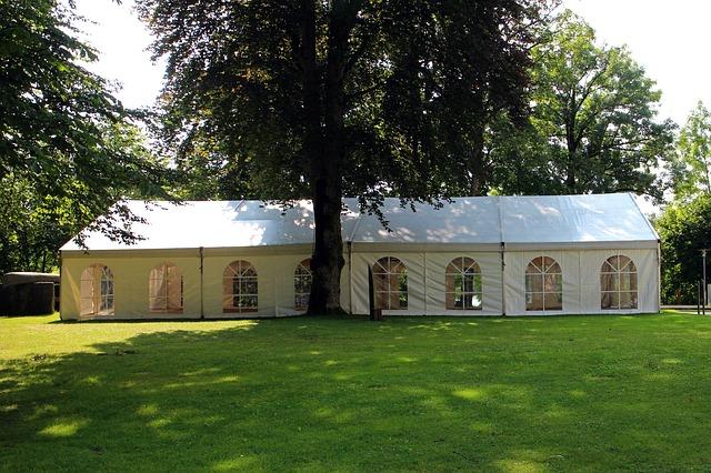 השכרת אוהלים לאירועים – לאילו אירועים זה מתאים?