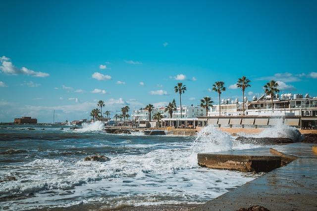לגור בקפריסין