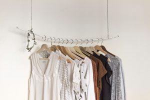 קולבים לבגדים