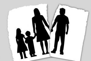 איך להתגרש גם כשיש ילדים קטנים בבית