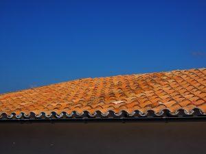 מתי יש צורך באיטום גגות רעפים?