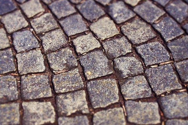 דברים שחשוב לדעת על ריצוף חוץ מאבן טבעית
