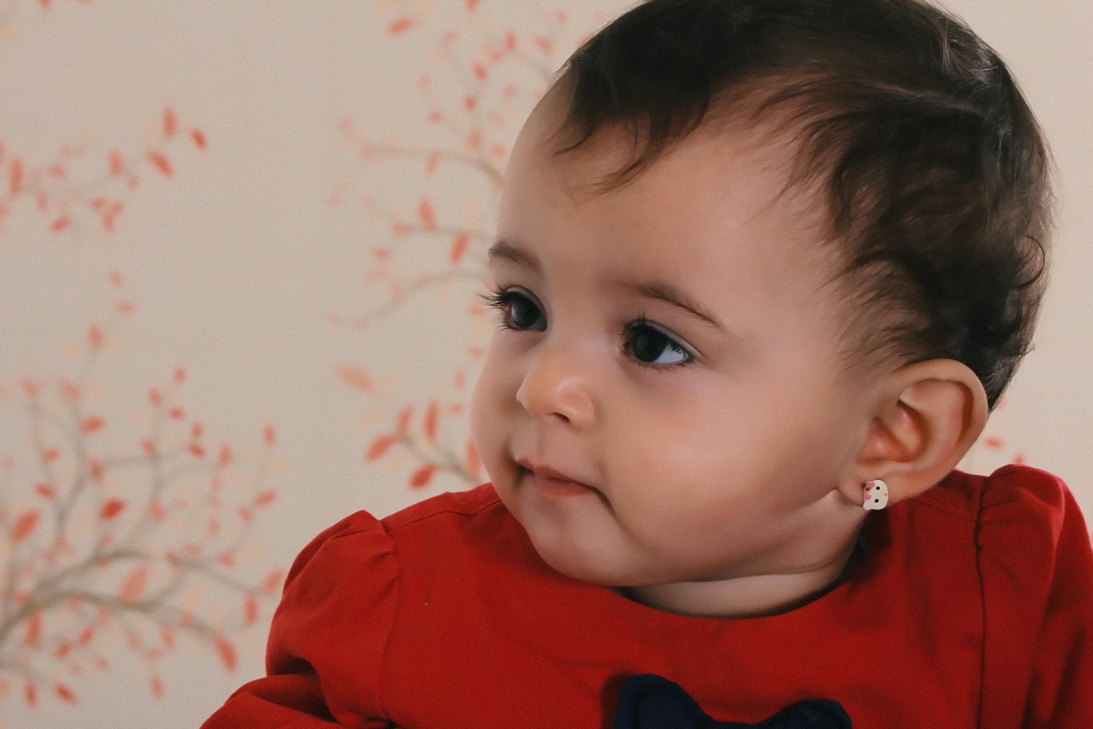 עגילים צמודים לתינוקות