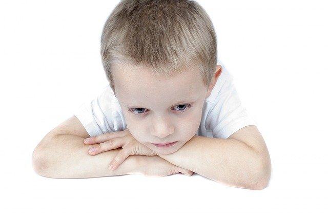 איך לעזור לילדים להתמודד עם רגשות